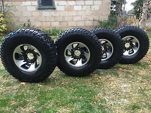 "35"" tyres on alloys Berridale Snowy River Area Preview"