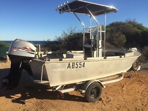 17 Ft Ali centre console built to survey-like new