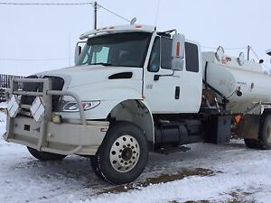 2006 International 4400 with Dt466