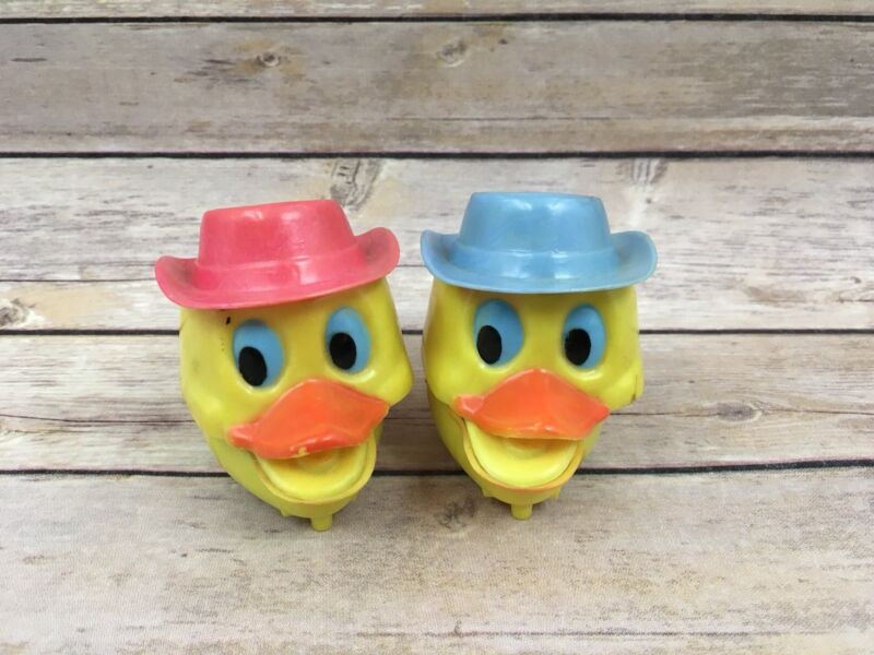 Vintage Plastic Hong Kong Easter Unlimited Wind Up Duck Flapping Beaks Toys