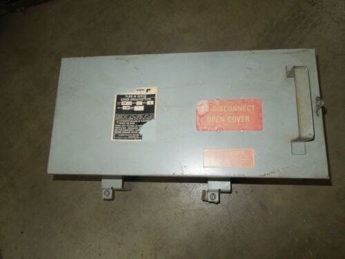 Federal Pacific Cfp332 30a 3ph 4w 250v Fusible Cover Operated Plug In Device