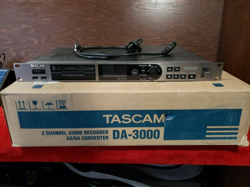 Tascam DA-3000 High Resolution Stereo Master Recorder AD/DA Converter W/ Remote