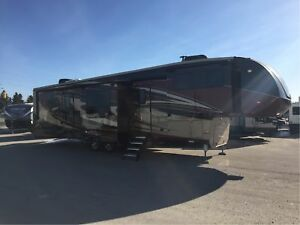 2018 Cardinal by Forest River 3825FLX Fifth Wheels