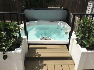 Hot tub with new cover and pump
