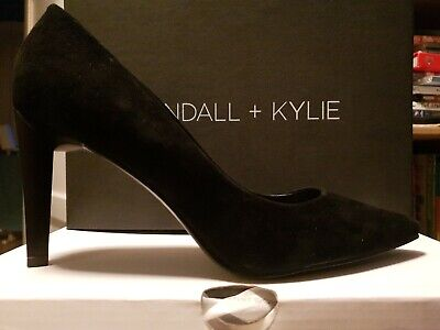 Kendall And Kylie Black Suede Size 7 Slip On heels