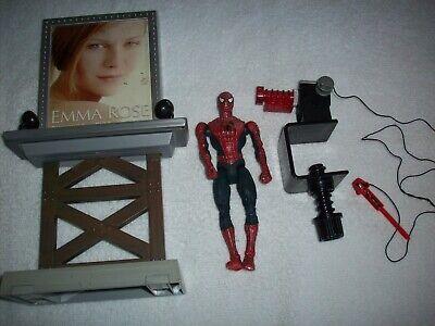 Marvel SPIDERMAN 2 MOVIE  Shoot and Slide Spiderman Action Figure With Billboard