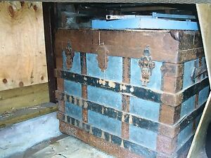 100 years old steamer trunk