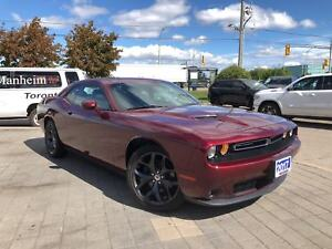 2017 Dodge Challenger SXT PLUS**LEATHER**SUNROOF**BACK UP CAMERA