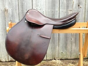 Courbette Merkur DL Saddle