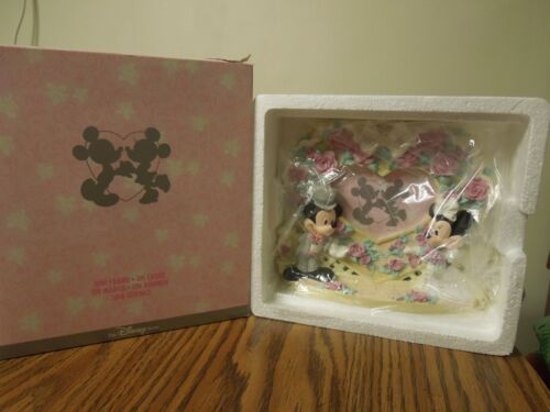 New The Disney Store Mickey & Minnie Heart Wedding Picture Frame