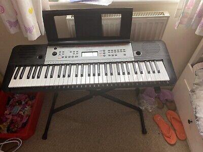 Yamaha YPT 260 Portable Keyboard 61 Key - With Adjustable Stand.