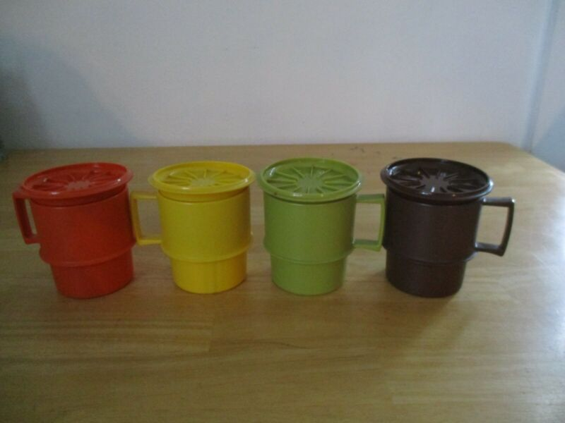 Vtg Set of 4 Tupperware Stackable Coffee Mugs #1312 w/Lids #1313 Autumn Colors