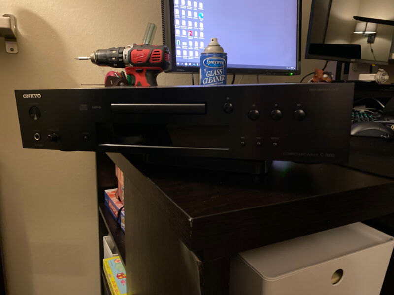 Onkyo C-7030 CD/MP3 Audiophile Player Sounds Great!
