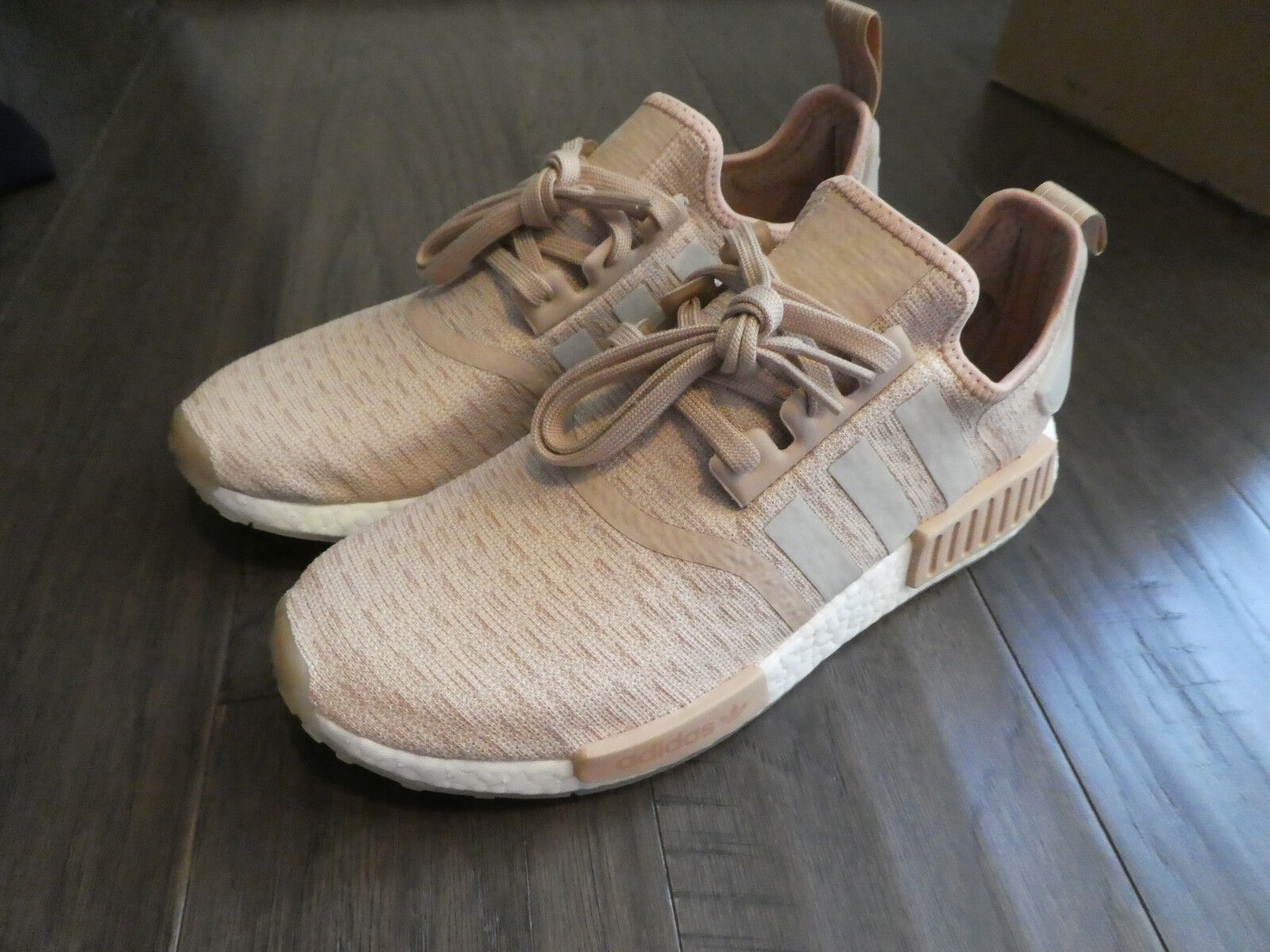 Adidas Women's NMD_R1 Boost shoes sneakers new CQ2012 Ash Pearl Chalk