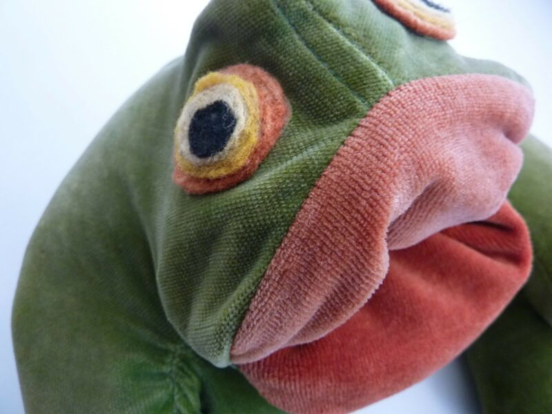 VTG Stuffed BullFrog Toy / FROGS N' THINGS / San Francisco California / 1977