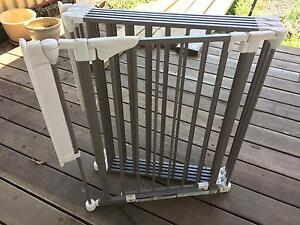 Safety 1st play yard, safety gate Annerley Brisbane South West Preview