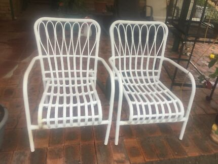2 Outdoor Chairs Part 83