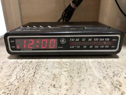 Vintage GE Digital Alarm Clock AM/FM Radio 7-4612B