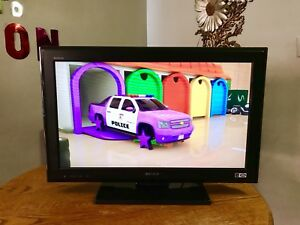 Sony bravia 32 inch Lcd tv, Nice condition,