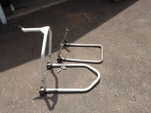 Front and rear sportbike stands