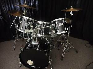 Pearl Session Series Drum Kit - 5 Piece - Excellent Value! Flaxton Maroochydore Area Preview