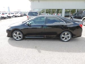 2014 Toyota Camry SE Local One Owner Lease Return, Backup Cam...
