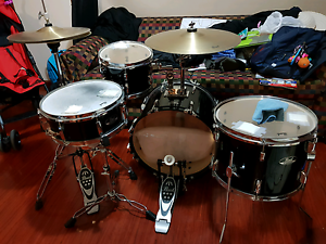 """Pearl Roadshow Drumkit 18"""" (In Good Condition) Blacktown Blacktown Area Preview"""