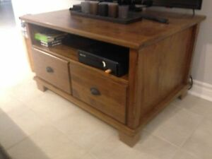 Wood entertainment TV unit.