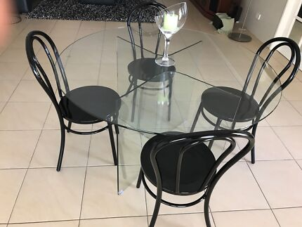 5 piece Dining setting - Priced to sell