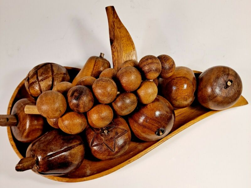 Vintage Mid-Century Modern Wooden Bowl and 10 Pieces of Fruit (11pc) EUC