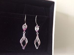 10 k white gold earrings
