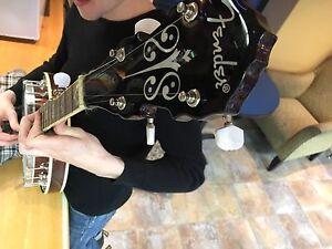 Banjo for sale (case, strap, picks incl.)