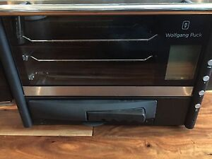 Wolfgang Puck Convection Oven w/pizza oven & rotisserie