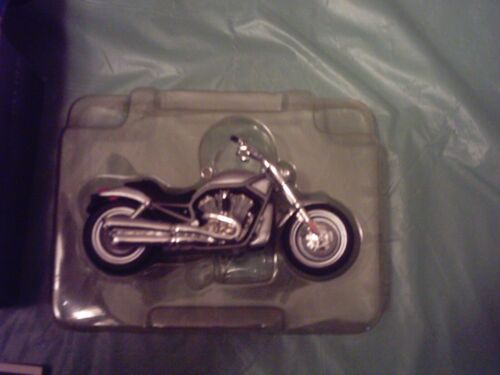 Hallmark 2002 HARLEY DAVIDSON VRSCA V-Rod Motorcycle Ornament