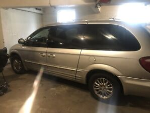 Chrysler town and country all wheel drive plus 4 winter tires