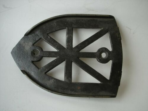 ANTIQUE CAST IRON TRIVET FOR A SAD IRON