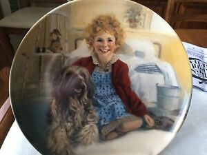 Annie and Sandy Collector Plate by Knowles for the movie, Annie