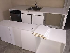 6.4' Kitchen with Corian Countertop BARELY USED