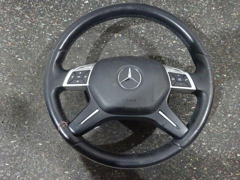 Mercedes C-Klasse W204 Lederlenkrad Lenkrad Abdeckung Leder in Bruchsal