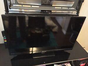 """32"""" hisense led lcd tv"""