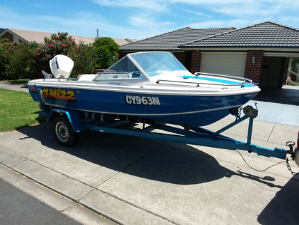 Ski / fishing boat 16 ft