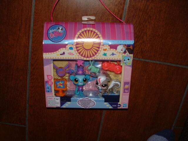 Littlest Pet Shop SHOWTIME FRIENDS PLAYSET PEPPER CLARK & SUNIL NEVLA 3609 3610