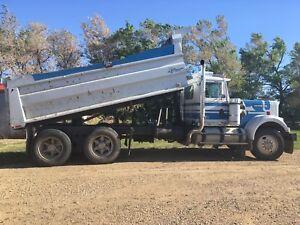 Tandem Gravel Truck