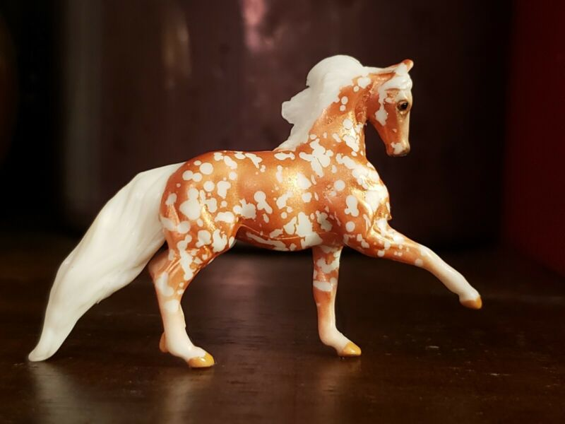 BREYER Mini Whinnies Walmart Series 5 Surprise #97260 Reed Chase Piece TL-15