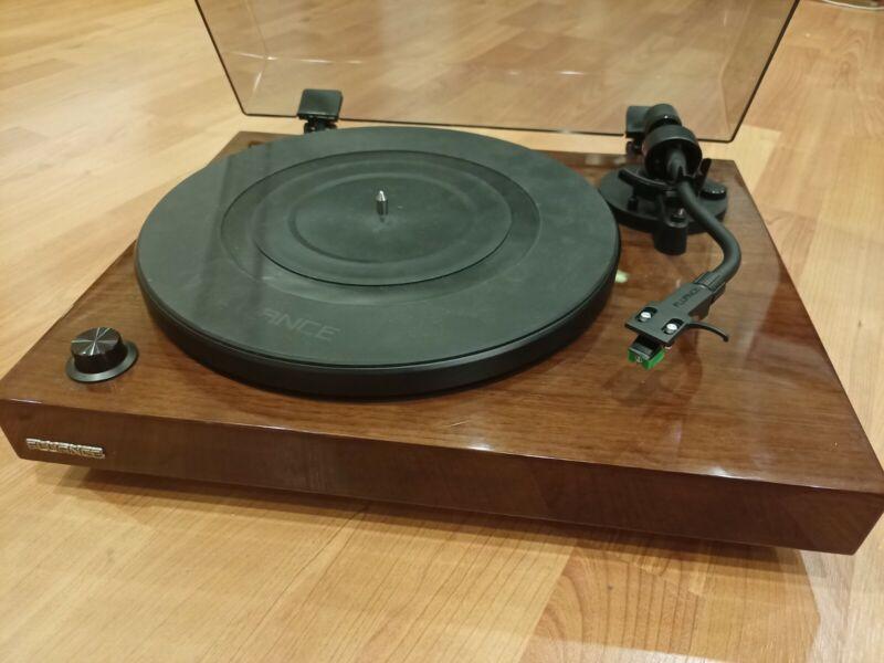 Fluance RT81T Vinyl Turntable Record Player