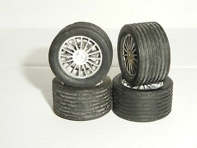 Scalextric - 4x Silver 16-Spoked Tyres & Rims - NEW