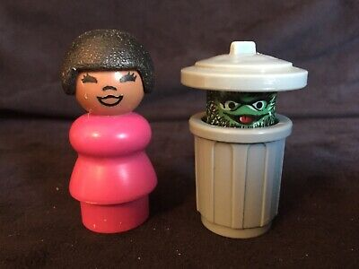 Vintage Fisher price Little People Sesame Street figures from 70's (2-pieces)