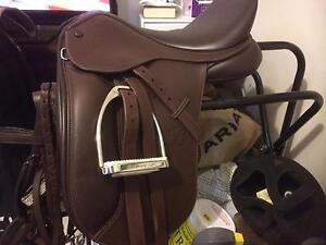 Bates show saddle Hocking Wanneroo Area Preview