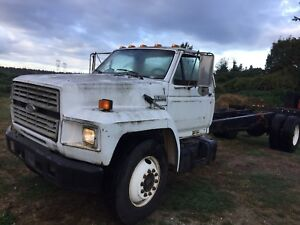 1989 F700 diesel cab and chassis