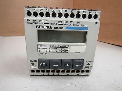 Keyence Amplifier Unit For Ultrasonic Displacement Sensor Ud-300 Ud300 24vdc